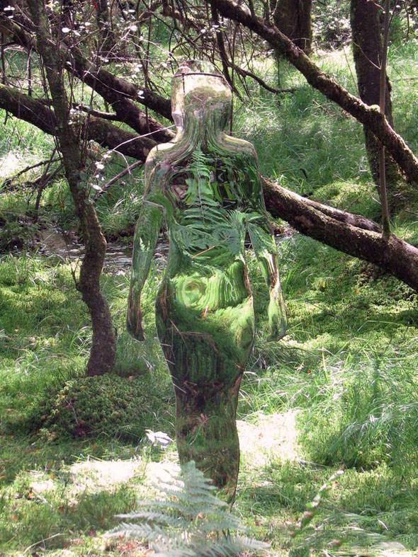 Скульптуры-призраки в шотландском лесу. Изображение № 6.