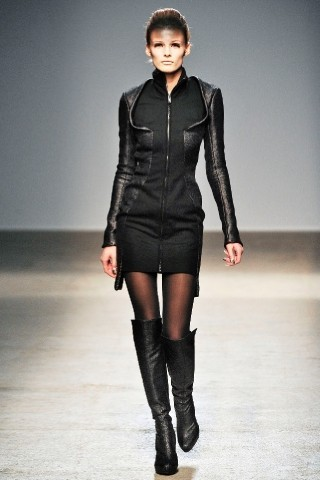 Back to black : Gareth Pugh и Victor&Rolf aw 2010-2011. Изображение № 12.