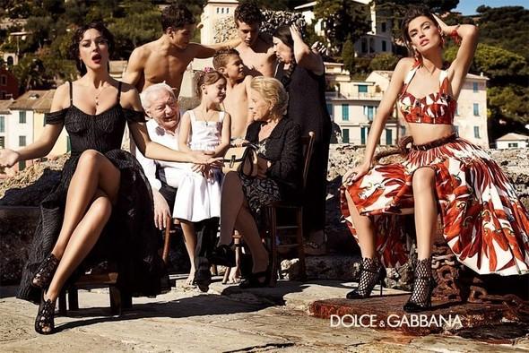 Превью кампании: Бьянка Балти и Моника Беллуччи для Dolce & Gabbana SS 2012. Изображение № 2.