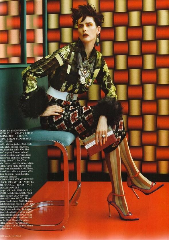 Съёмка: Стелла Теннант для британского Vogue. Изображение № 8.