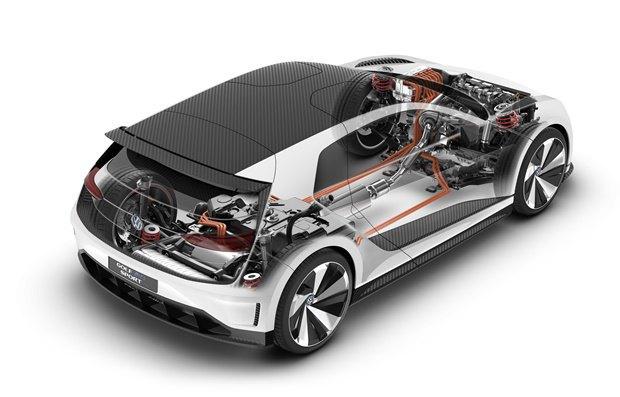 Volkswagen показал концепт автомобиля Golf GTE Sport . Изображение № 12.
