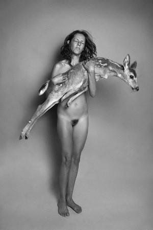 Части тела: Обнаженные женщины на фотографиях 1990-2000-х годов. Изображение №270.