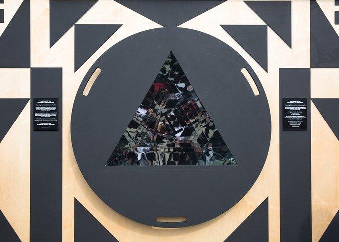 Дизайнеры создали инсталляцию для Airbnb на Трафальгарской площади. Изображение № 12.