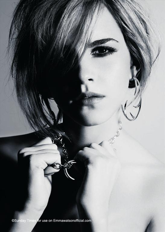 Emma Watson for Sunday Times Style Magazine (December 2008). Изображение № 1.