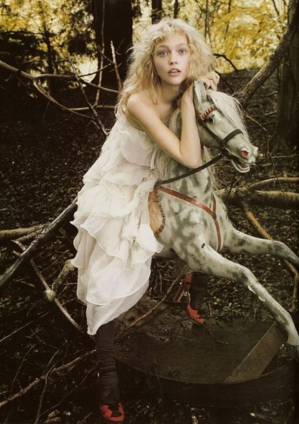 Изображение 5. «Sasha», британский Vogue, декабрь 2007.. Изображение № 5.