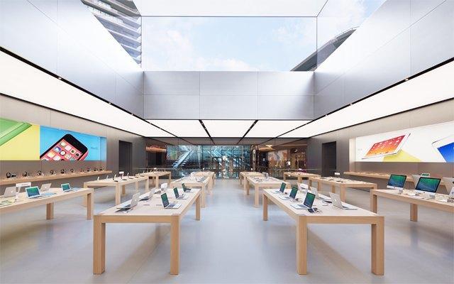 Опубликованы фотографии первого магазина Apple бюро Foster + Partners . Изображение № 4.