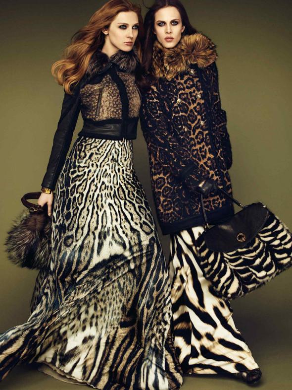 Лукбук: Эмелин Валад и Ольга Шерер для Roberto Cavalli FW 2011. Изображение № 3.