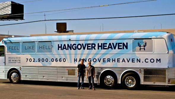 Предприимчивый врач пустил по улицам Лас-Вегаса антипохмельный автобус. Изображение № 1.