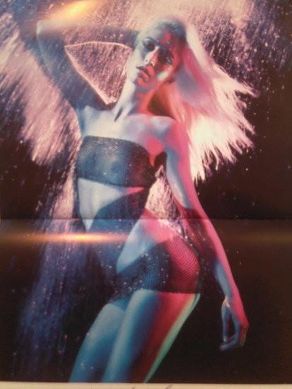 Календарь французского Vogue: отдушина Карин. Изображение № 7.