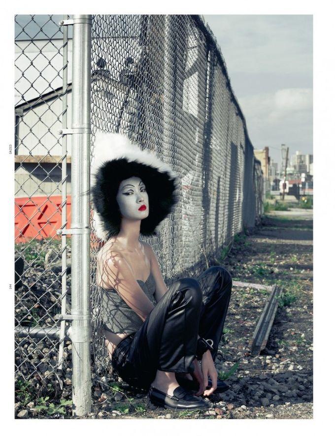 Dazed & Confused, Fat, Vogue и другие журналы выпустили новые съемки. Изображение № 73.