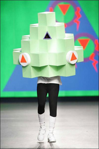 Изображение 1. Fashion-авангард из разных стран.. Изображение № 1.