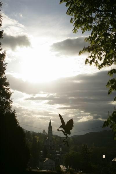 Скульптуры Джерзи Кедзиоры, парящие в воздухе. Изображение № 15.