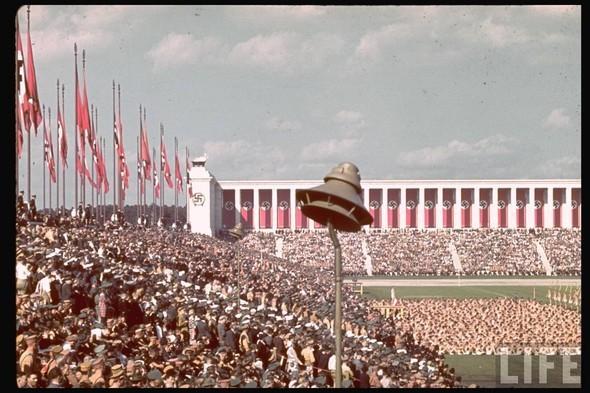100 цветных фотографий третьего рейха. Изображение №35.