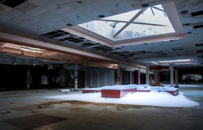 Фото: заброшенный торговый центр в США. Изображение № 5.