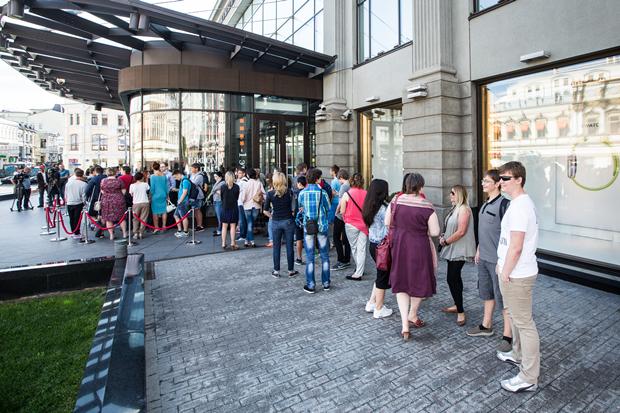 Открытие Apple Shop в ЦУМе. Изображение № 1.