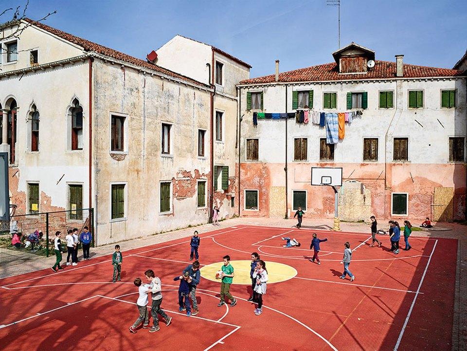 Фото: как выглядят детские площадки вразных странах мира . Изображение № 14.