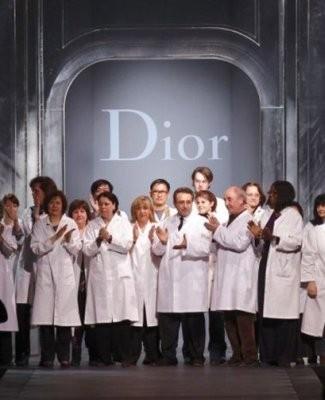 Команда Dior на показе осенне-зимней коллекции 2011 года. Изображение № 3.