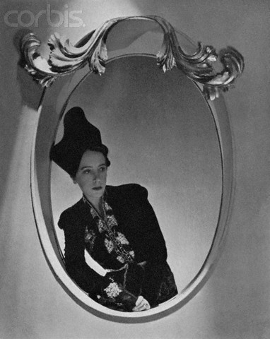 Эльза Скиапарелли. Сюрреализм вмоде 30-х годов. Изображение № 26.