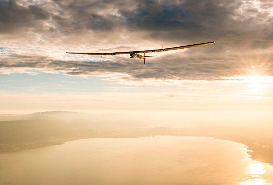 Первый самолёт  на солнечной энергии,  который долетит  на край света. Изображение №7.