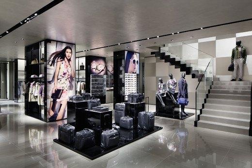 Emporio Armani, Mulberry и Versace открыли новые магазины. Изображение № 9.