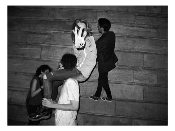 Короли вечеринок: 10 фотографов, снимающих светские и молодежные тусовки. Изображение № 97.