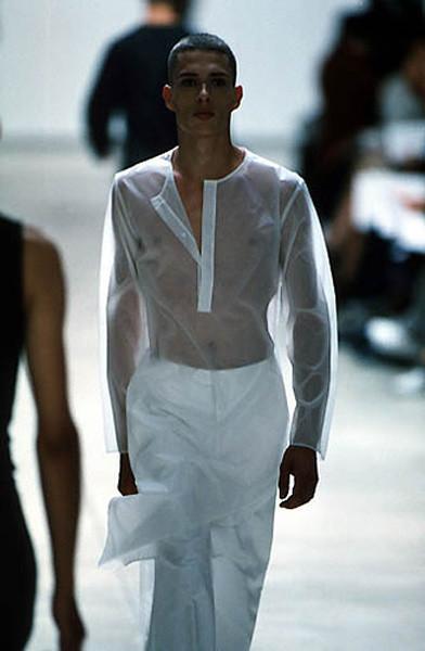 Yves Saint Laurent ss 2000 под руководством Эди Слимана. Изображение № 3.