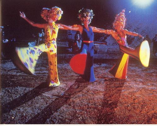 Приключения Присциллы, королевы пустыни, 1994. Изображение № 9.
