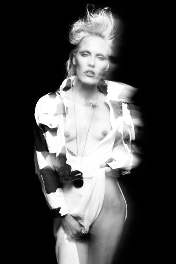 """Woman"" by Henryk Lobaczewski (NSFW). Изображение № 5."