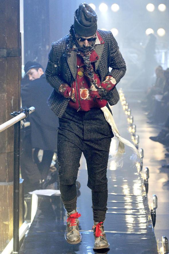 Джон Гальяно/ Осень-зима 2011/ Неделя моды в Париже. Изображение № 12.