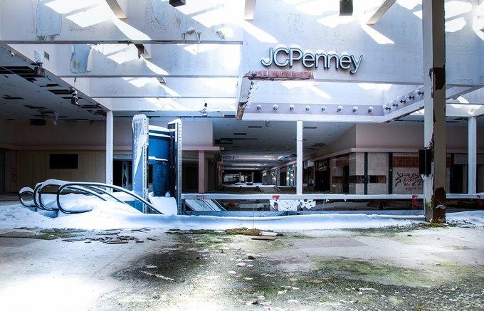 Фото: заброшенный торговый центр в США. Изображение № 9.