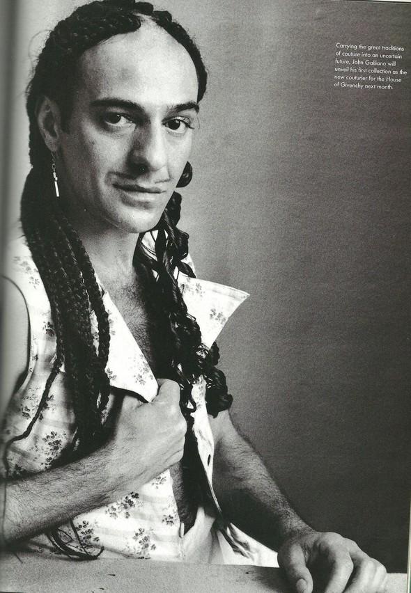 Архивная съёмка: Модели и дизайнеры в объективе Ирвинга Пенна для Vogue, 1995. Изображение № 11.
