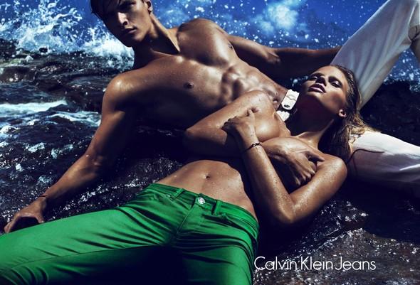 Рекламная кампания Calvin Klein Весна 2012. Изображение № 1.