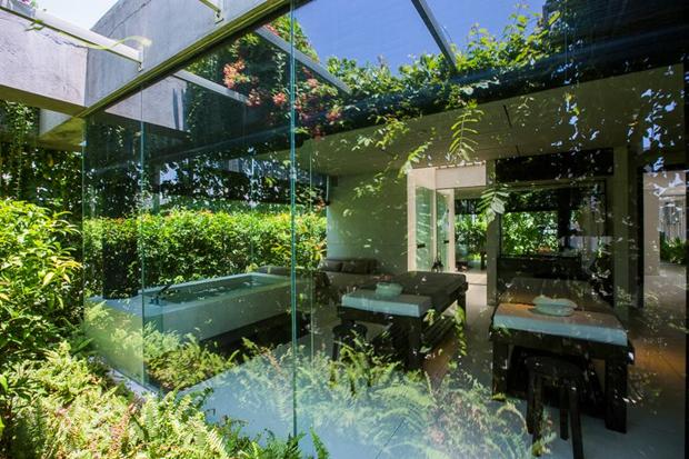 Архитектура дня: белый спа-центр во Вьетнаме с растениями на фасаде. Изображение № 17.