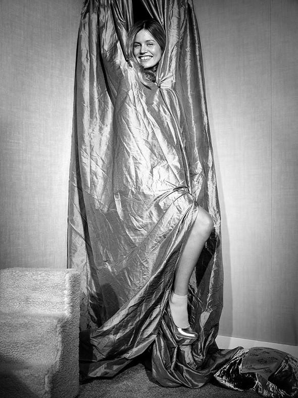 Съёмки: Harper's Bazaar, Interview, Vogue и другие. Изображение № 33.