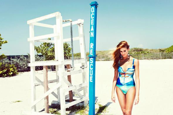 Пляжный сезон: 10 марок купальников. Изображение №80.