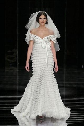 """""""Выбираем свадебное платье!"""" 93 идеи ведущих дизайнеров. Изображение № 73."""