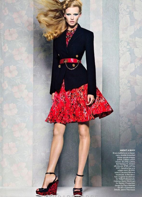 Съёмка: Лара Стоун для американского Vogue. Изображение № 6.