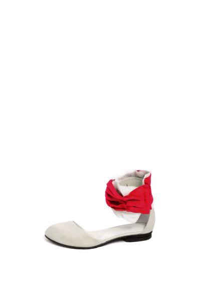 Проба пера латвийских обувщиков. Изображение № 13.