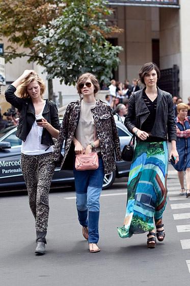 Уличный стиль на Неделе высокой моды в Париже. Изображение № 81.