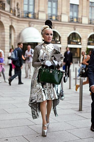 Уличный стиль на Неделе высокой моды в Париже. Изображение № 59.