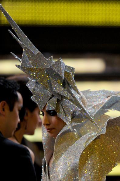 Очередные метаморфозы Lady Gaga. Изображение № 21.