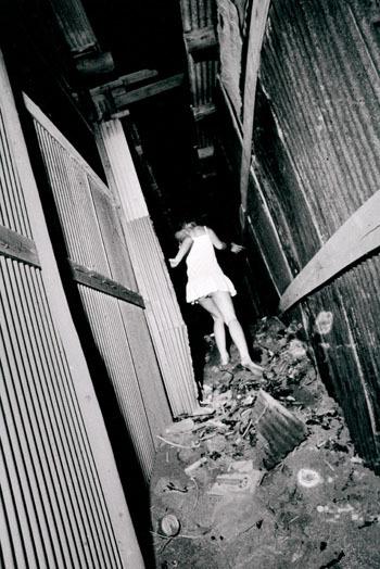 Daido Moriyama «POSTWAR PHOTOGRAPHY 2″. Изображение № 10.