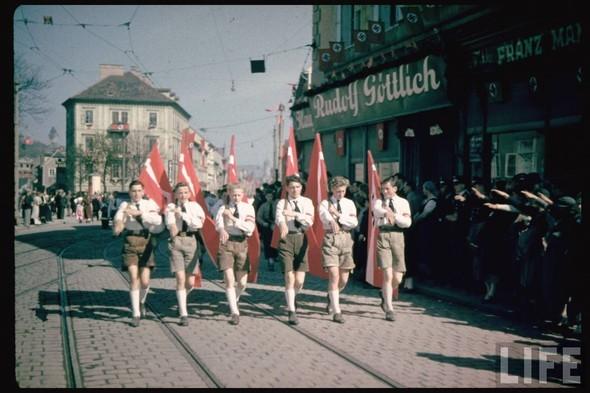 100 цветных фотографий третьего рейха. Изображение №82.
