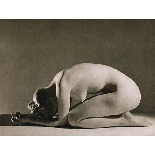 Части тела: Обнаженные женщины на винтажных фотографиях. Изображение № 76.
