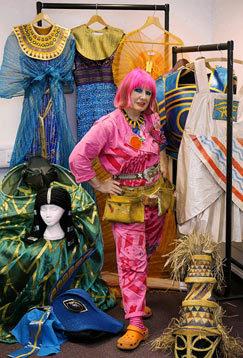 Zandra Rhodes – дизайн текстиля иодежды. Изображение № 1.