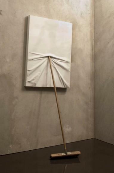 Изображение 1. Maurizio Cattelan.. Изображение № 1.