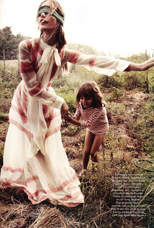 Изображение 9. Саша Пивоварова примерила на себя роль матери под прицелом камеры Микаэля Янссона.. Изображение № 9.