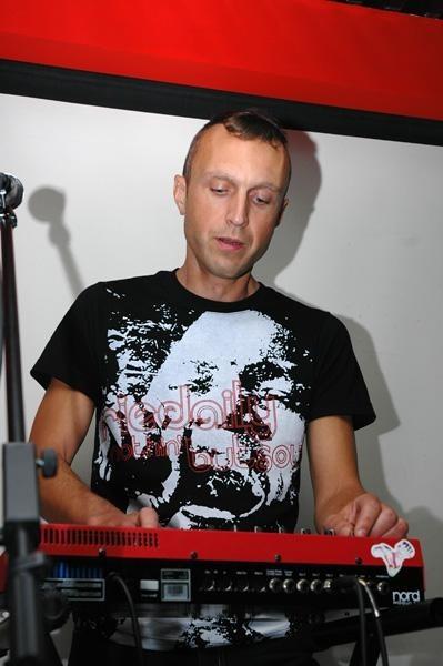 Новый «Коммерческий альбом» Олега Кострова. Изображение № 33.