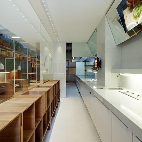 Под стойку: 15 лучших интерьеров баров в 2011 году. Изображение № 54.