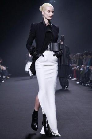 Изображение 46. Показы на Paris Fashion Week FW 2011: день 5.. Изображение № 11.